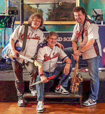 Silvesterball im Kronensaal mit dem Trio Red Sox